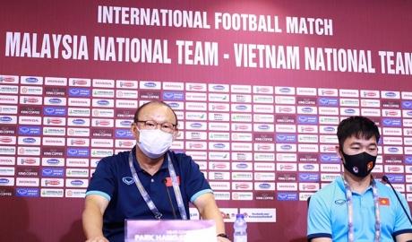 Họp báo ĐT Việt Nam đấu Malaysia