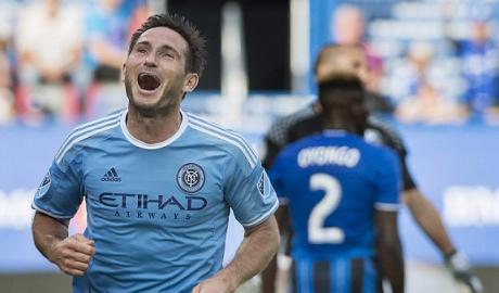 Lampard, David Villa tỏa sáng đánh bại đội bóng của Drogba