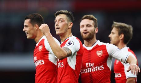 Arsenal thăng hoa với những chiến thắng: Quà chia tay Wenger?