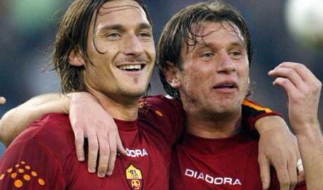"""Totti tiết lộ người đồng đội """"tuyệt vời nhất"""""""