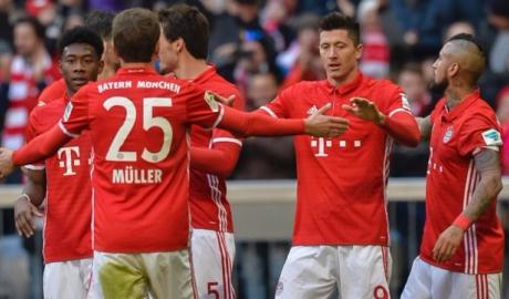 """Vòng 22 Bundesliga: Bayern đại thắng """"8 sao"""", Dortmund trụ vững top 3"""