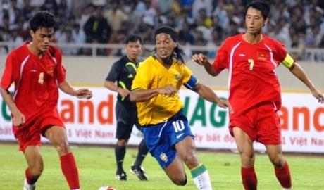 Ronaldinho, Shevchenko sắp sang Việt Nam