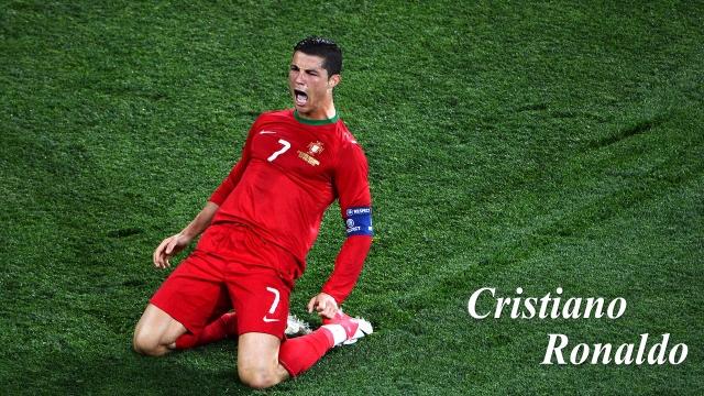 Những pha lập công đáng nhớ của Ronaldo trong màu áo ĐT Bồ Đào Nha