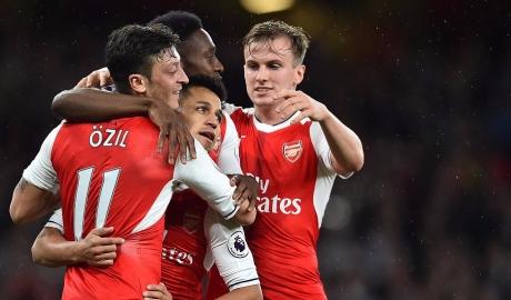 Sanchez hóa người hùng, phả hơi nóng vào Liverpool