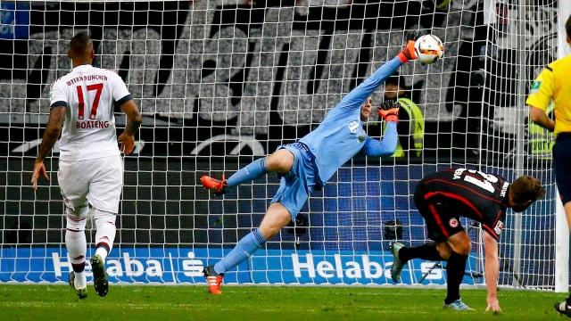 Những pha cứu thua đỉnh nhất của Bayern ở mùa 2016/17