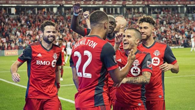 Top 5 pha lập công ấn tượng nhất vòng 16 giải MLS 2017