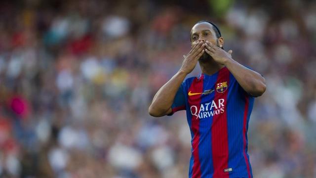 Màn trình diễn của Ronaldinho trong ngày tái xuất Nou Camp