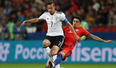 Chile cẩn thận, Đức giỏi nâng cúp hơn