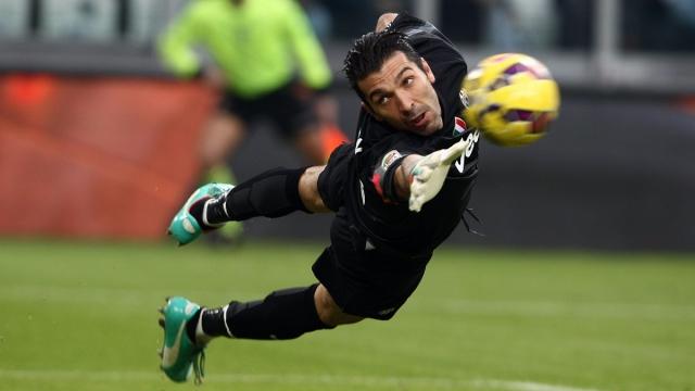 Top 5 pha cứu thua xuất sắc nhất mùa 2016/17 của các thủ môn Juve