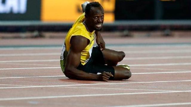 Usain Bolt gục ngã trong ngày chia tay sự nghiệp điền kinh