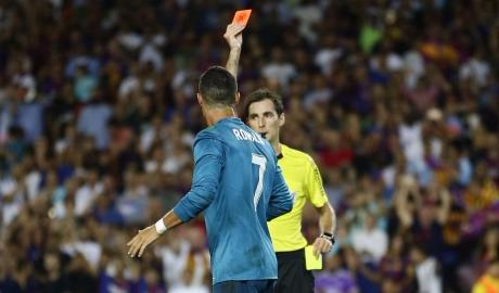 Ronaldo chứng minh Real vô đối... thẻ đỏ tại El Clasico