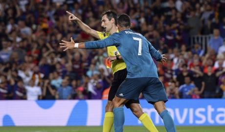 SỐC: Ronaldo có thể bị treo giò 12 trận