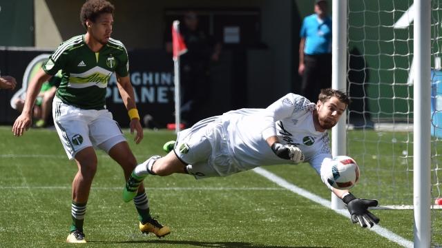 MLS 2017: Top 5 pha cứu thua xuất sắc nhất vòng 23