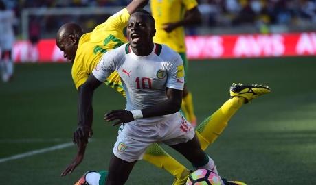 Trận vòng loại World Cup bị đá lại vì trọng tài dàn xếp tỉ số