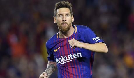 Messi đi vào lịch sử derby Catalan