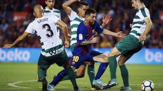 Messi tỏa sáng với cú poker vào lưới Eibar