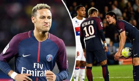 Căng thẳng leo thang, Neymar muốn PSG tống cổ Cavani