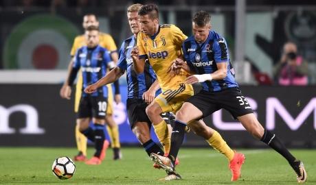 Vòng 7 Serie A: Thành Rome mở hội, Napoli vượt mặt Juve