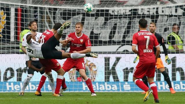 Siêu phẩm móc bóng của Haller dẫn đầu top 5 bàn thắng vòng 7 Bundesliga