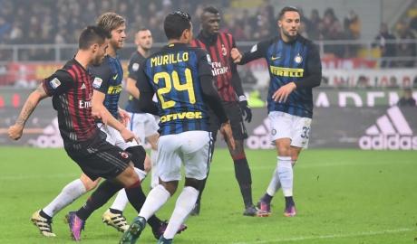 "Derby Milan bị đe dọa bởi ""virus FIFA"""