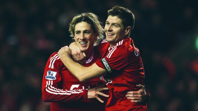 Gerrard, Torres dẫn đầu top 10 bàn thắng trên sân Anfield vào lưới M.U