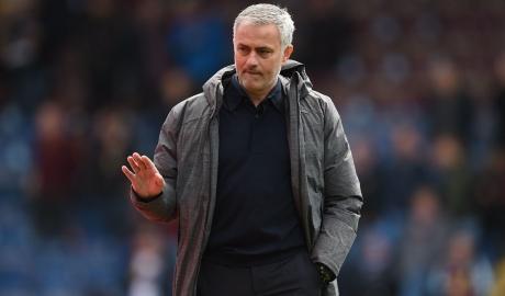 Mourinho chỉ còn cách kỷ lục bất bại tại Old Trafford của Sir Alex...
