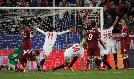 Dẫn trước 3 bàn, Liverpool vẫn không thể thắng trước Sevilla