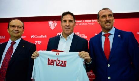 Thuyền trưởng Sevilla nhập viện ngay sau trận hòa với Liverpool
