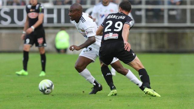 Nhận định bóng đá Metz vs Amiens, 2h00 ngày 26/11 (Vòng 14 Ligue 1 2017/18)