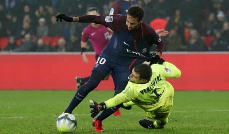 PSG bỏ xa Monaco và Lyon 9 điểm sau lượt đi Ligue 1