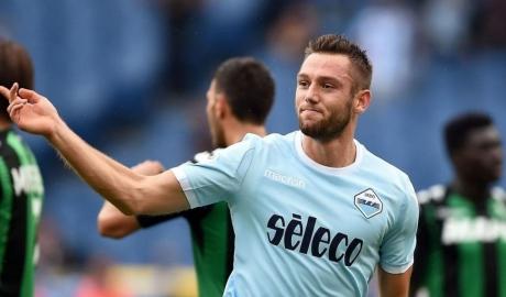 Lazio đối diện nguy cơ mất trung vệ số một vào tay Inter