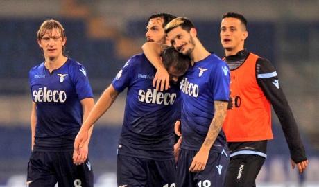 Thắng nhẹ Fio, Lazio giành vé vào bán kết Coppa Italia