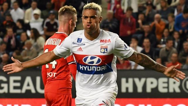 'Hàng thải' của Real Madrid đang là 'sát thủ' ghi bàn hàng loạt của Lyon