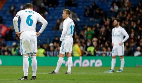 Real bị đội hạng hai cầm hòa tại Bernabeu