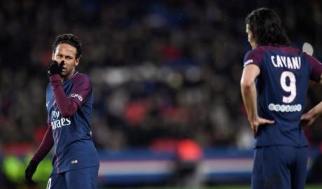 Neymar giận ra mặt với fan PSG vì Cavani