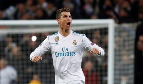Ronaldo vượt qua con số 100 bàn ghi cho Real ở Champions League