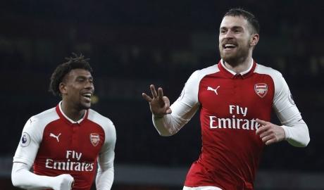 Thắng đậm trên sân khách, Arsenal đặt một chân vào vòng 1/8