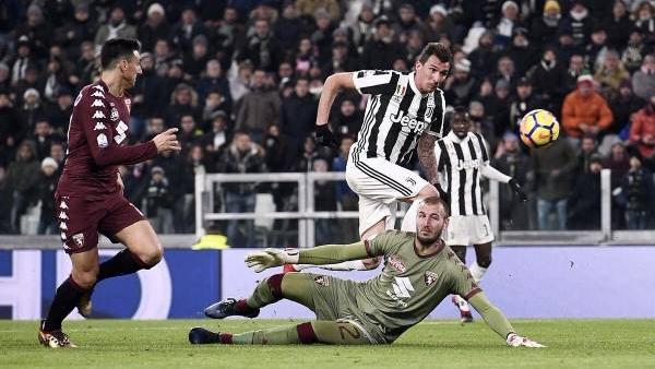 Nhận định bóng đá Torino vs Juventus, 18h30 ngày 18/2 (Vòng 25 Serie A 2017/18)