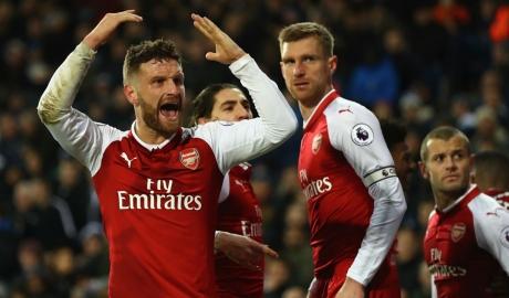Arsenal méo mặt sau bốc thăm vòng 1/8 Europa League