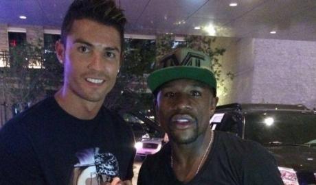 Mayweather muốn mua Newcastle và Ronaldo
