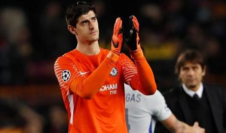 Chelsea bất ngờ nhận tin không vui