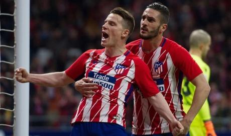 Hạ Deportivo, Atletico kiên trì bám đuổi Barca