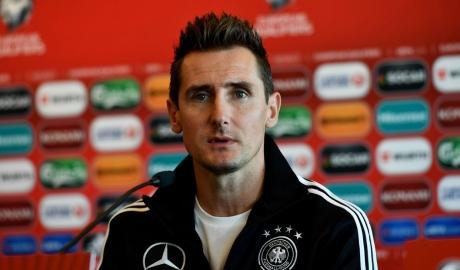 Klose trở lại Bayern làm HLV