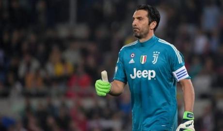 Buffon chia tay Juventus, tới Liverpool?