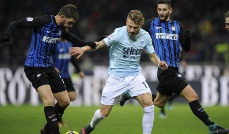 Lazio sụp đổ vì thủ kém