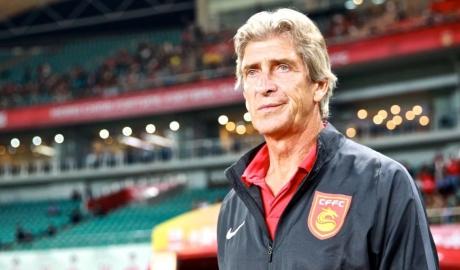 Nhận lương kỉ lục, Pellegrini khăn gói trở lại EPL