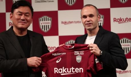 Iniesta nhận lương 30 triệu đôla một mùa tại Nhật Bản