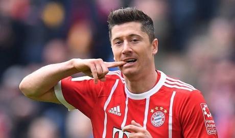 Mặc Bayern níu kéo, Lewandowski một mực đòi đi
