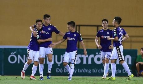 5 điểm nhấn vòng 11 V.League 2018: Hà Nội bất bại lượt đi
