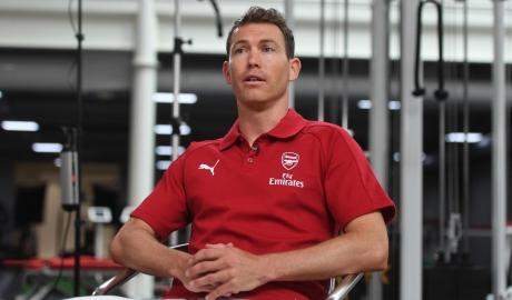 Arsenal cần gì ở Stephan Lichtsteiner?